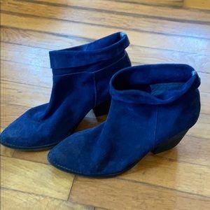Aldo blue suede almond toe booties nine